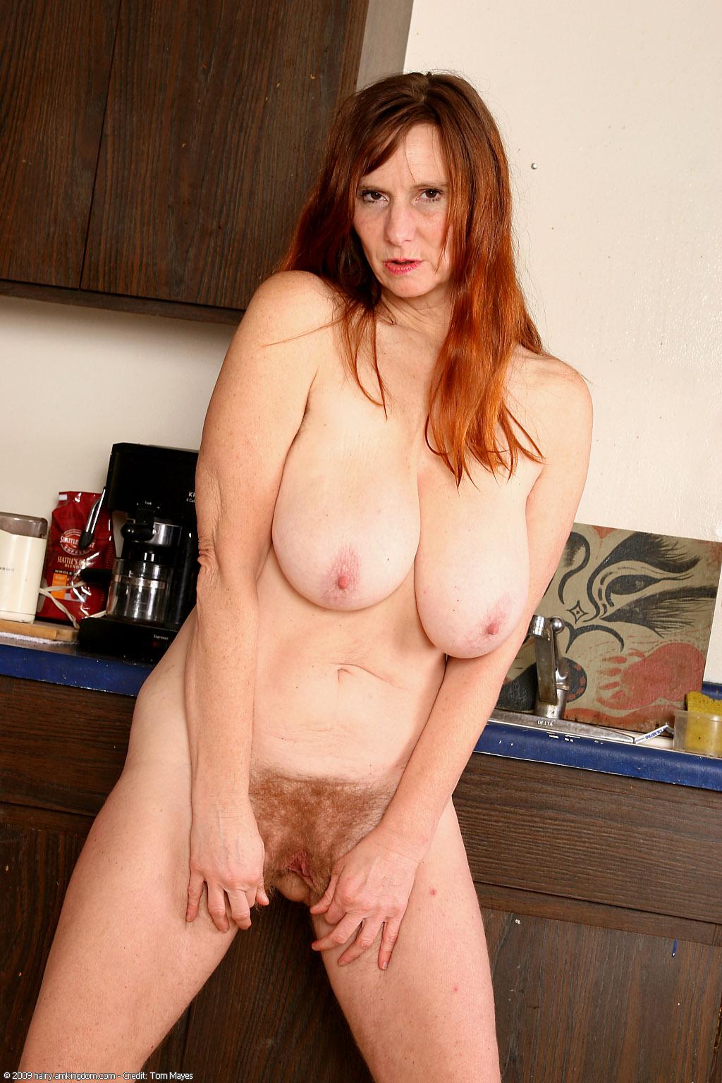 Голые зрелые волосатые женщины @ m1bar.com