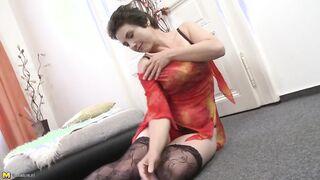 Amateur hairy mature beautiful women video